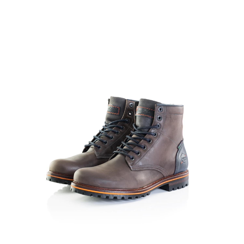 5f44d178e6e De Padolo is gemaakt in twee warme, donkere kleuren en heeft een grove  profielzool, waardoor deze schoen uitstekend is te dragen in de winter of  op een ...