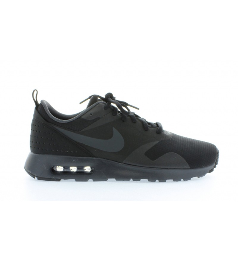 zwarte heren sneaker Nike air max Tavas 010