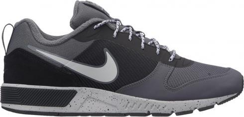 Grijze herenschoen Nike Nightgazer Trail - 916775-006