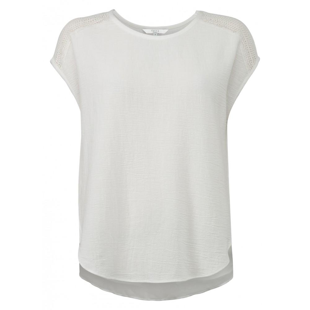 fb433a736de Wit T-shirt met kantendetails YAYA - 1901235-920
