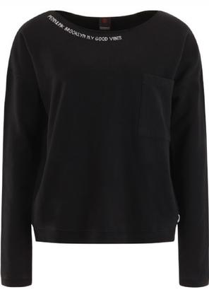Sportique Zeewolde :: DAMES :: Zwarte dames trui met letter